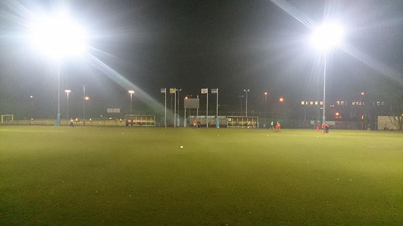 Stadion Sokoła Serock nocą