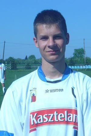 Jeden z debiutantów w drużynie rezerw w meczu ze Strażakiem Górna Grupa - Patryk Fik.
