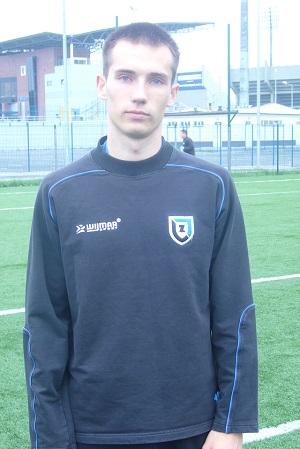 Mateusz Gawroniak zadebiutował w rezerwach w wyjazdowym meczu z Kamionką Kamień Krajeński.
